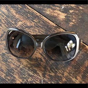 "Vera Bradley ""Laura"" Sunglasses"
